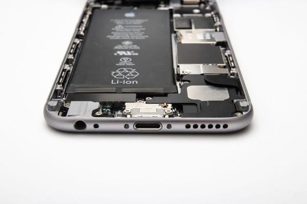 可以期待一下!下一代iPhone将升级无线功能