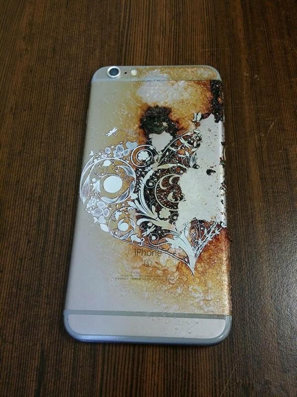 要不要得瑟?iPhone 6s连自燃都烧的这么美