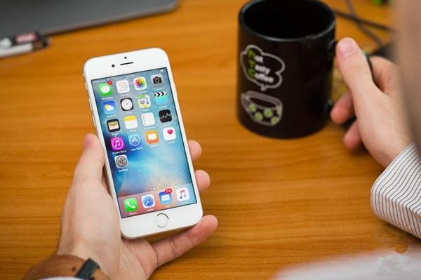 iPhone 6s 的续航时间大概是 12 小时左右,你呢?