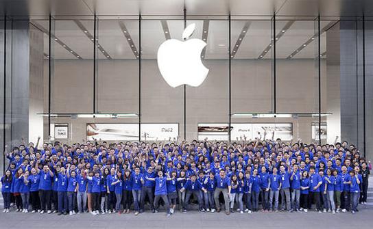 九岁的iPhone正处于十字路口 苹果还有招吗?