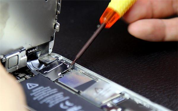 如何更换苹果iPhone5电池?iPhone5换电池直播