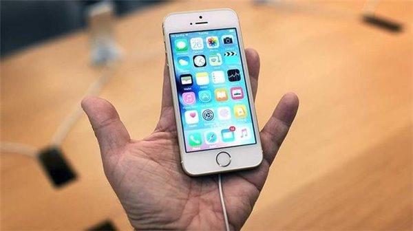 iPhone SE口碑比iPhone 5c好   命运却是一样的