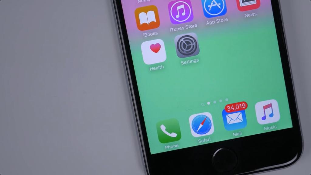 非越不可?不越狱照样让iOS Dock背景隐藏/文件夹变圆