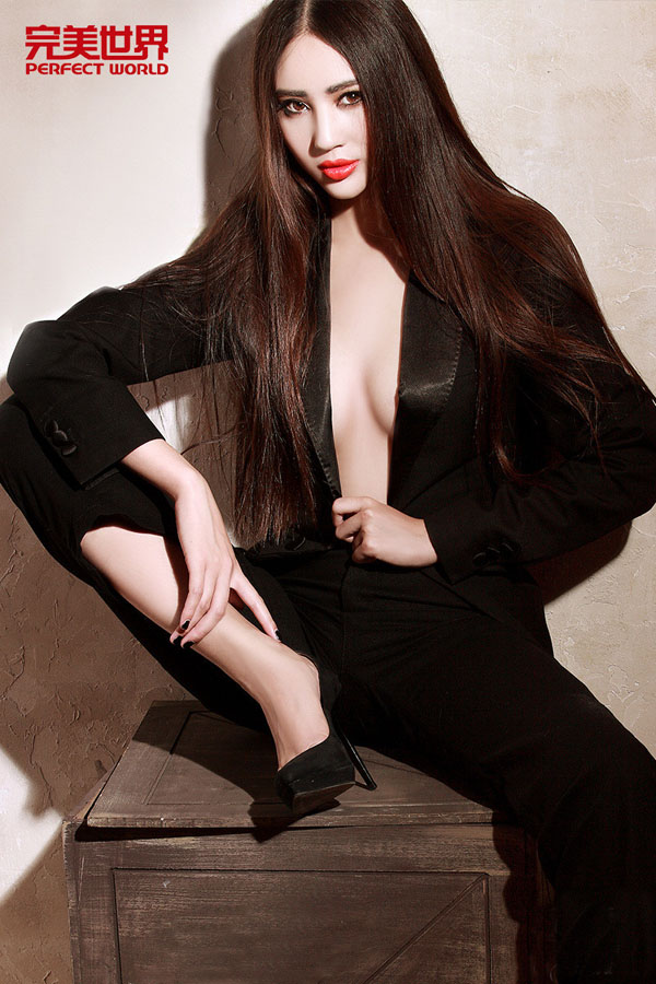 爆发吧小宇宙 Chinajoy2015绝艳美女showgirl图集
