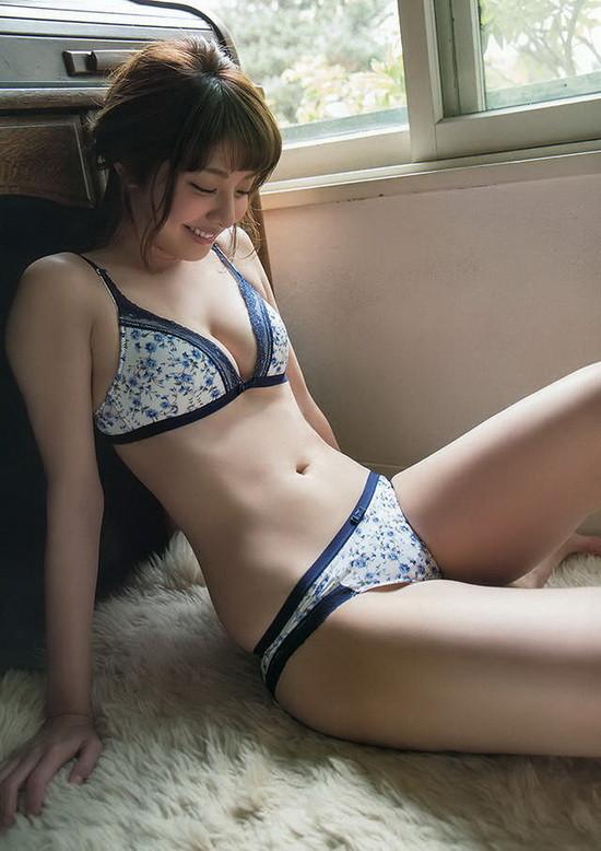 喷血福利~少年坚持住 北海道原石美女咪咪节美照欣赏