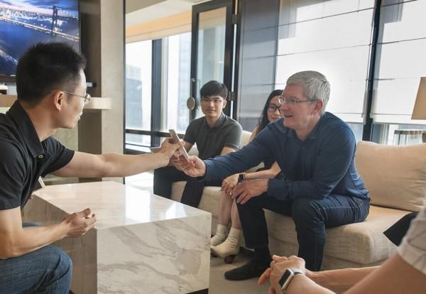 国内iPhone业绩不尽人意  库克仍持续看好中国