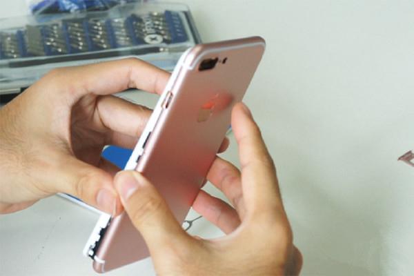 传闻可开机的iPhone7机模制作全过程