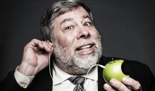 沃兹:不取消3.5mm耳机插孔苹果会发展的更好