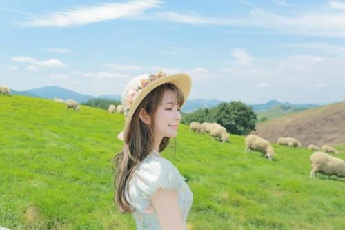 颜值逆天 韩国第一美少女让你感受田野的清新