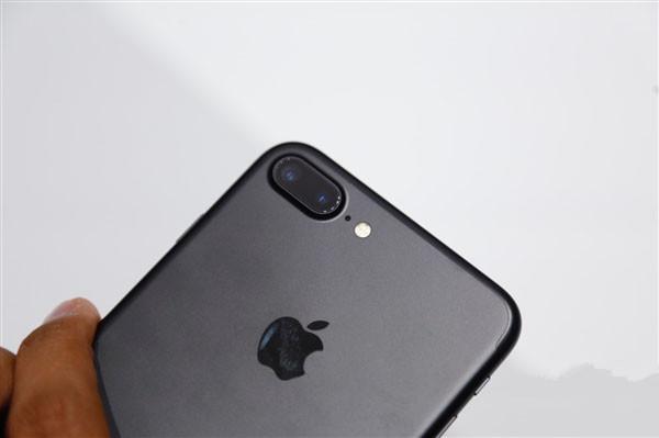 iPhone 7 Plus惊现烦人