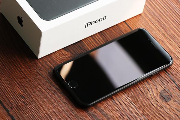 """苹果iPhone7国行版评测:这次""""黑""""的很有内涵"""