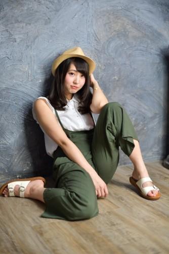日本写真偶像晒私照 身材犯规爱玩手游