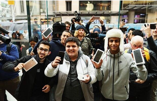 一部iPhone 7赚400刀?苹果又一次赚疯