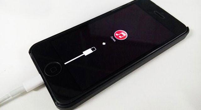 iPhone无法开机 白苹果恢复手机教程