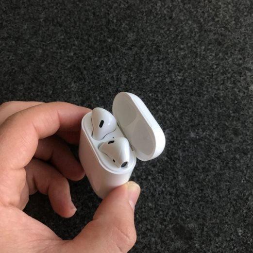 苹果AirPods怎样与其它蓝牙设备配对?