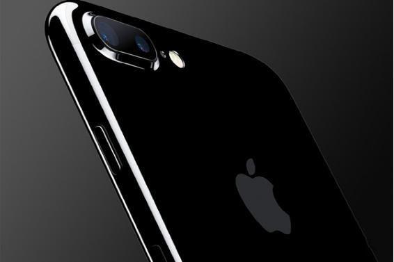 """这就是""""裸奔""""3个月之后的亮黑iPhone 7"""