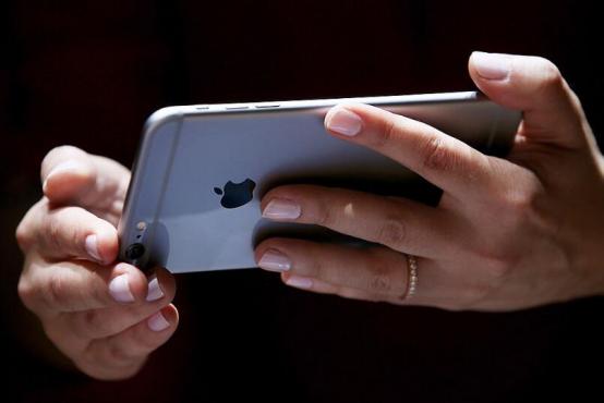苹果获激光抛光专利,iPhone9、iPhone10或采用陶瓷机身