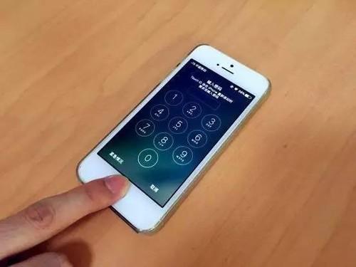 为什么iPhone重启后只能输入密码解锁,不能用指纹?