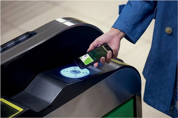 iPhone公交卡功能开放权限容易,推广难