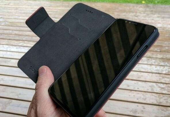 iPhone 8 原型真机和 iPhone 7 上手对比