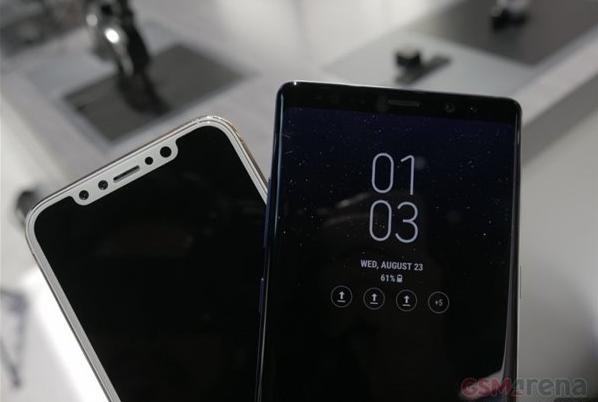 三星Note8和苹果iPhone 8机模比对
