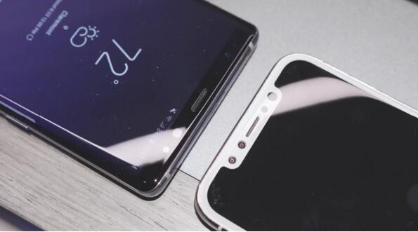 旗舰对决 三星Note8对比iPhone 8机模