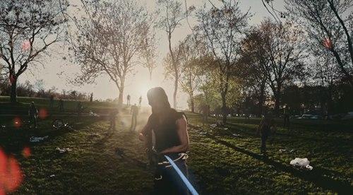 身临其境的打丧尸 AR手游《行尸走肉:我们的世界》曝光