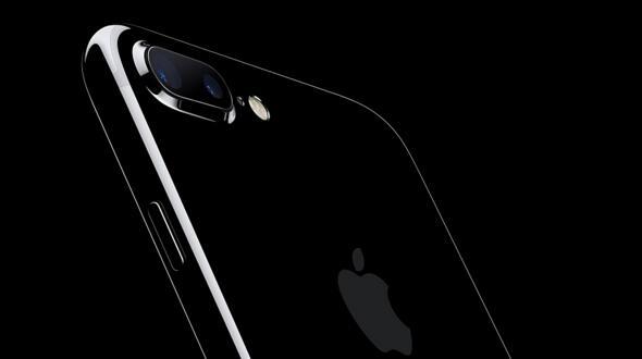 苹果推出了32GB版的亮黑色iPhone 7系列