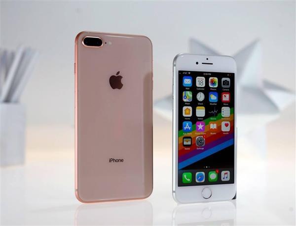 既生X 何生8:iPhone陷入史上最尴尬时刻