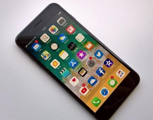 苹果iPhone 8/Plus快速充电得多花600块值得吗?
