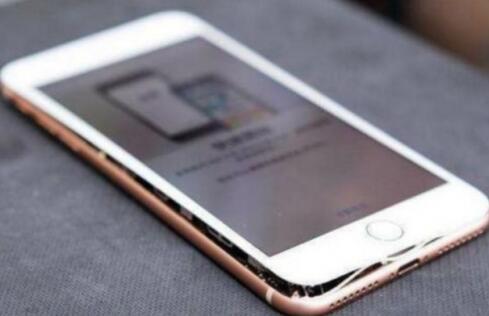 iPhone 8上市仅几周发生多例电池事故 原因何在?