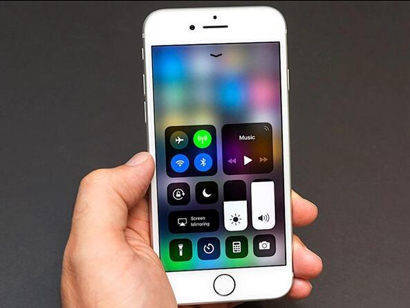 iOS 11.0.3发现无语Bug:画面没法看