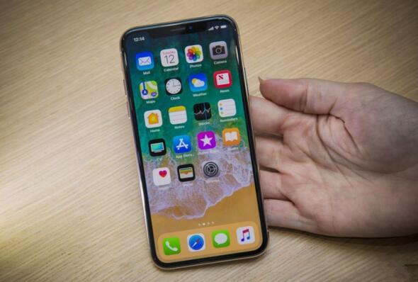 就是一片玻璃:iPhone最终极的设计理念