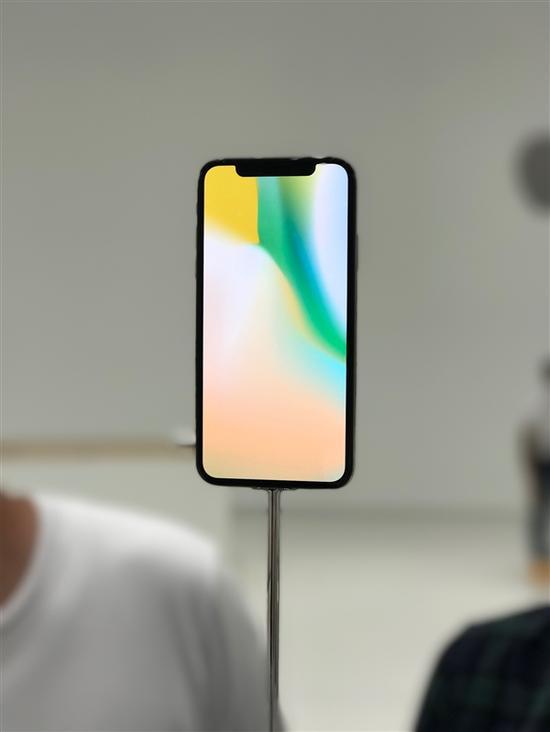 苹果联合创始人吐槽iPhone X失败:不会排队抢购