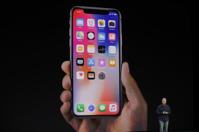 全屏玩游戏、看电影iPhoneX刘海怎么办?