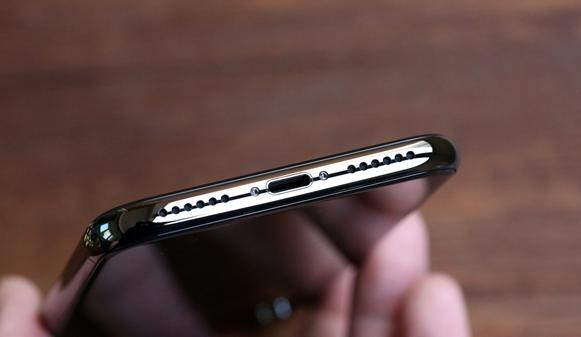 万元神机!iPhone X开箱图赏:5.8英寸手感绝了