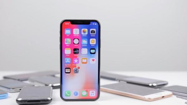 设计对比:最新款 iPhone X 和它的前辈们