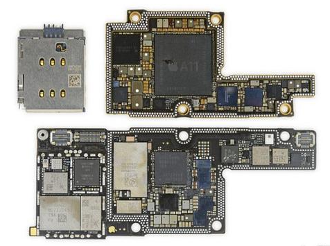 iPhone X被大卸八块 背板比屏幕更金贵