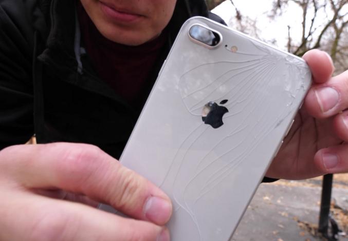 摔落测试显示iPhone X真的比iPhone 8更耐摔