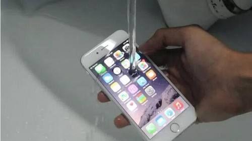 苹果iPhone设备进水了怎么办?