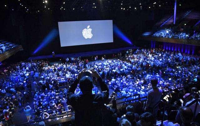 苹果的2017:iPhone冰火两重天 iOS 11系统问题频发 电池门刷屏