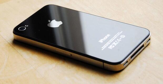 从iPhone 4到iPhone X 这种材质竟让苹果领先十年