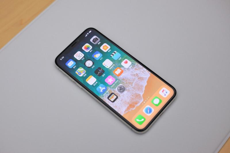iPhoneX到底是开拓者还是试验品?