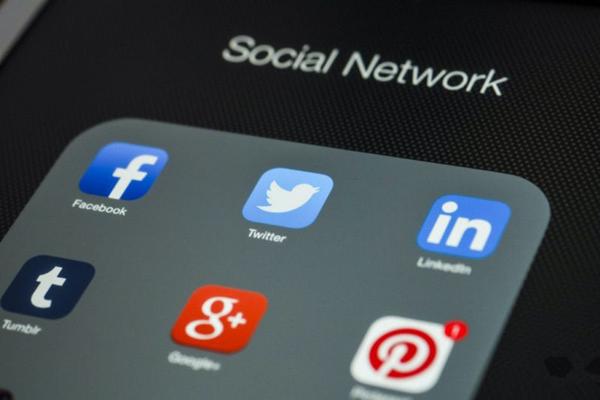 苹果 请去做社交网络吧!