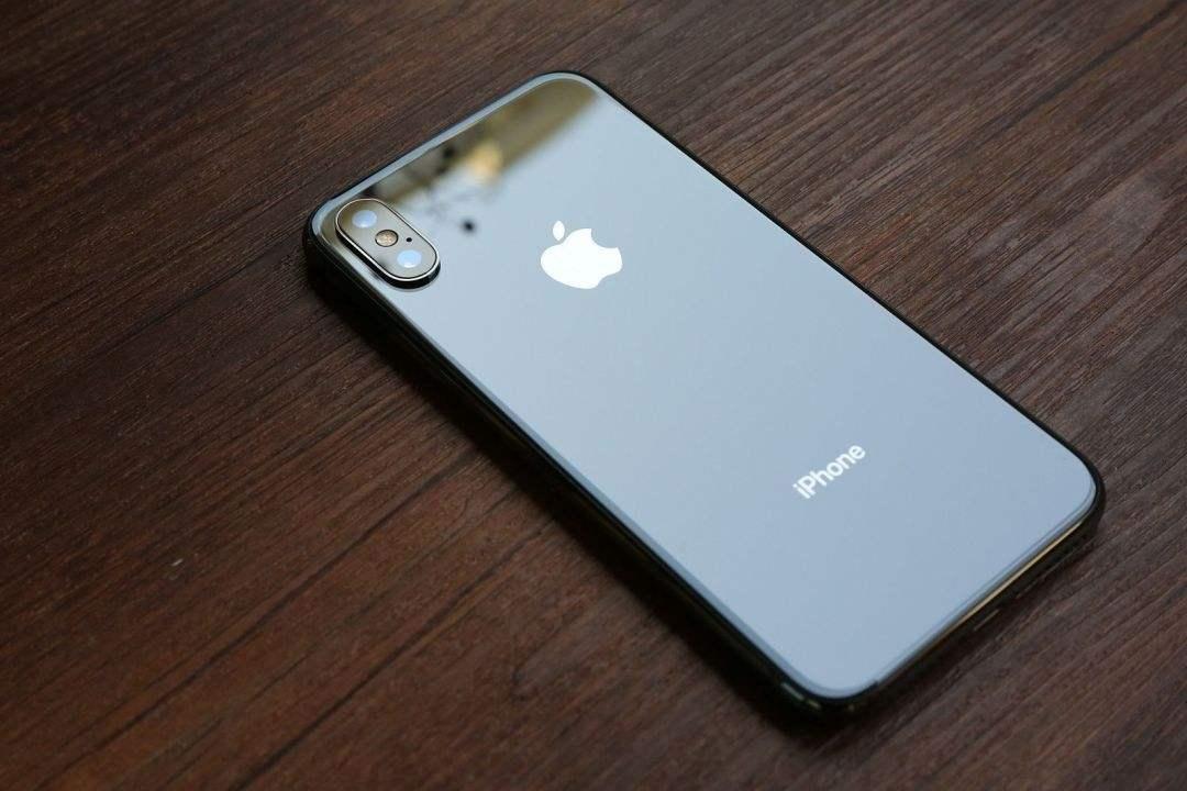 2018年三款新iPhone长这样 6.1寸廉价版可能不便宜
