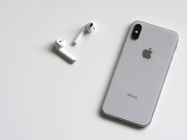 iPhone X半年后就落伍:新iPhone内存、屏幕大升级