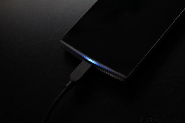为什么iPhone没有呼吸灯?苹果:用户不需要