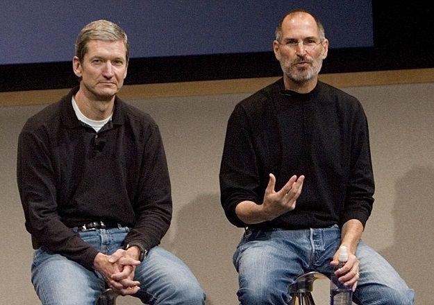 七年前乔布斯辞任苹果CEO,强烈推荐库克接班