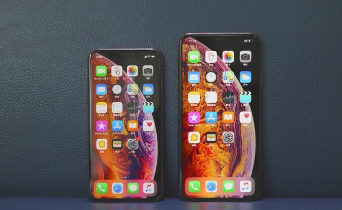 苹果iPhone XS/XS Max开箱图赏:新金色,更大屏