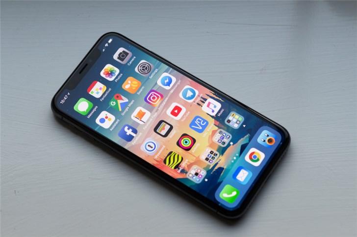 苹果iOS12新BUG:屏幕色彩失真,信号变差
